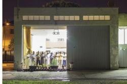 Muslim Italia Shalat di Garasi atau Tempat Parkir