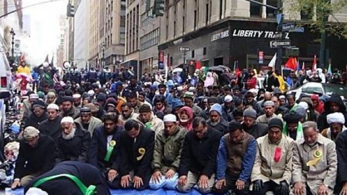 "Wali Kota Perancis: ""Islam Akan Hilang dari Prancis Pada 2027"""