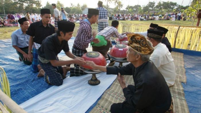 Ngejot, Idul Fitri, dan Harmoni Agama di Bali