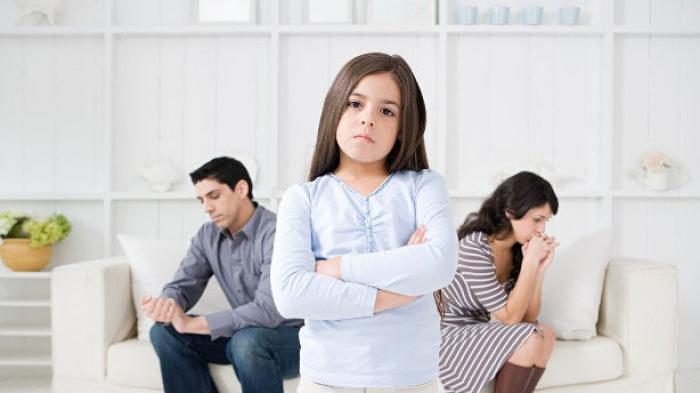 Begini Cara Tepat Jelaskan Arti Perceraian pada Anak