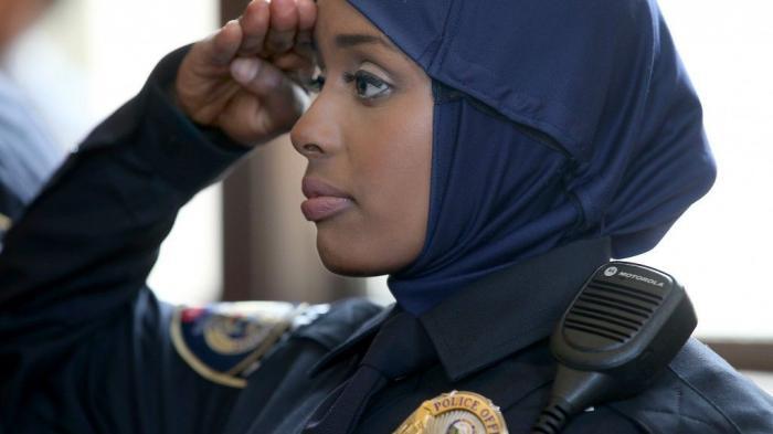 Muslim mengeluhkan pelarangan kerudung di kepolisian AS