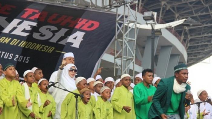 300 Santri Papua Ikut Meriahkan Panggung Parade Tauhid Indonesia