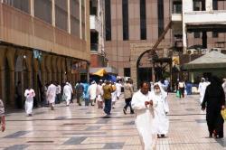 Ternyata Non-Muslim di Saudi Saja, Hormati Bulan Puasa Lho