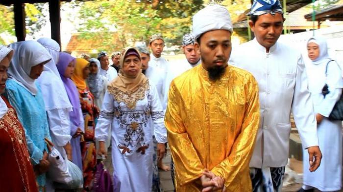 Silaturahim Massal dalam Tradisi Grebeg Agung Keraton Kanoman Cirebon
