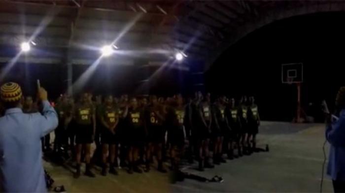 Satu Pleton Anggota Polisi dan Jenderalnya di Filipina Masuk Islam