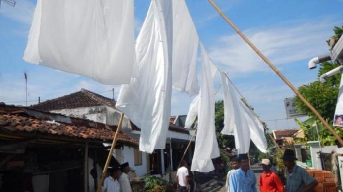 Tradisi Resik Lawon Jelang Ramadan di Banyuwangi