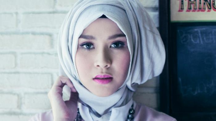 Zaskia Adya Mecca Siap Lelang Pakaian demi Palestina