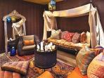 ruang-tamu-maroko.jpg