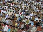 salat-tarawih-imam-madinah_20150622_100021.jpg