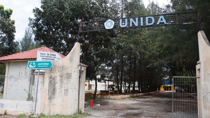 Gerbang depan Kampus Universitas Iskandarmuda