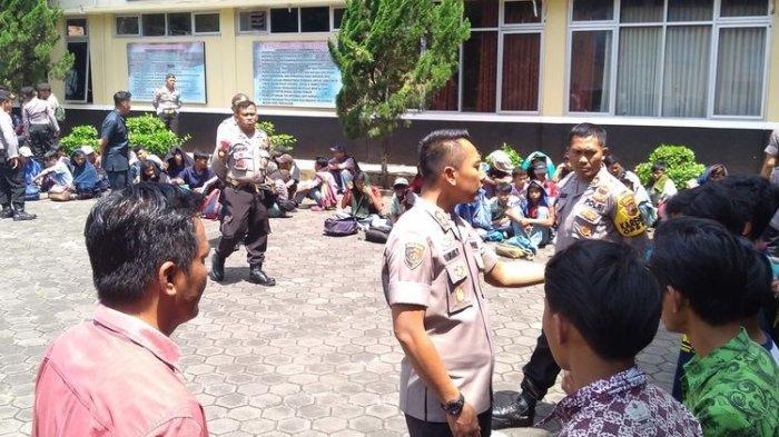 71 Siswa SMK Asal Bogor Diamankan Polisi karena Paksa Numpang Truk untuk Piknik ke Borobudur