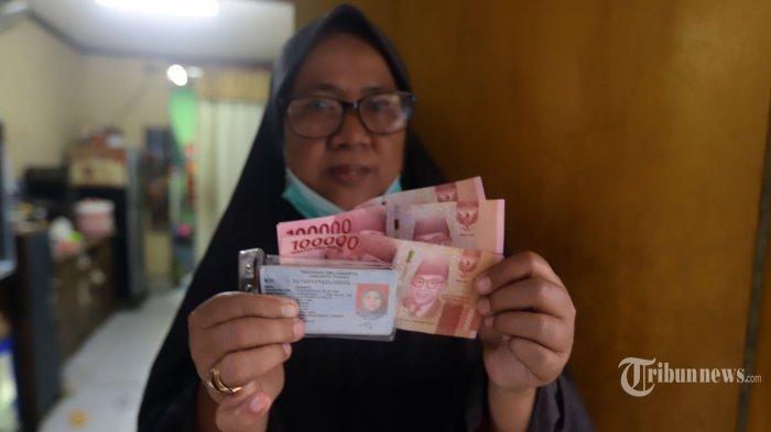Siapkan KTP, Berikut Cara Cek Penerima Bansos Tunai Rp 300 Ribu, Simak Langkahnya