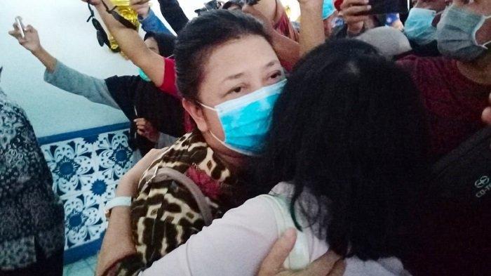 BREAKING NEWS: Gusti Moeng & GKR Timoer Berhasil Keluar, Terkurung di Keraton Solo Sejak Kamis Lalu