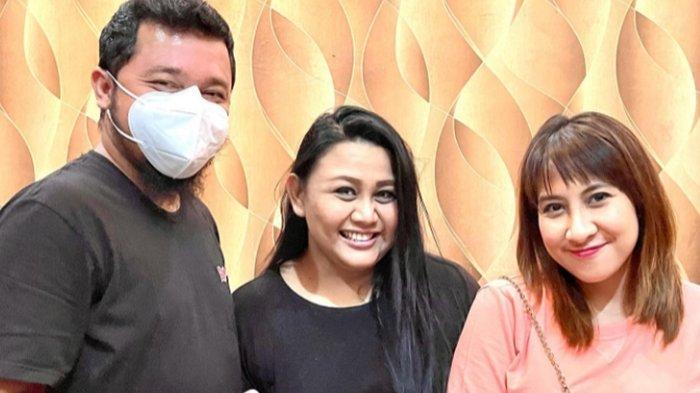 Tia AFI 2 Dikunjungi Nia AFI dan Suaminya, Adit : Diajak Jalan-jalan Keliling Solo dan Kuliner Timlo