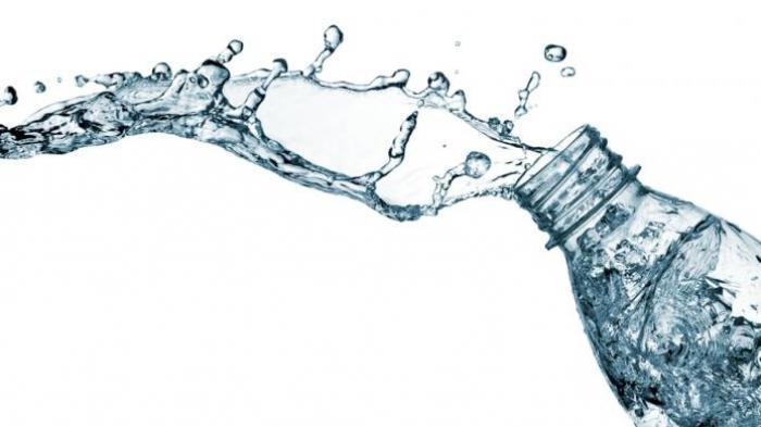 Sederet Manfaat Minum Air Putih Sebelum Tidur bagi Kesehatan: Meningkatkan Kekebalan Tubuh