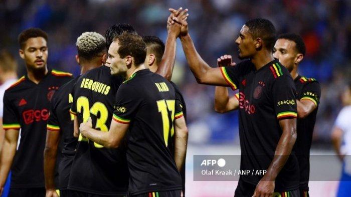 Dilarang UEFA, Ajax Ganti Desain Jersey yang Terinspirasi Lagu 'Three Little Birds' Bob Marley