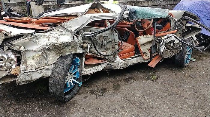 Potret Sedan Hancur Lebur Tak Berbentuk Ditabrak Truk, Pasca Kecelakaan Dahsyat di Delanggu Klaten