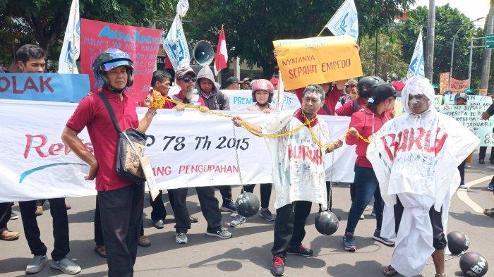 Jokowi Wacanakan Gaji Bulanan Diganti Upah Per Jam, Bagaimana Mekanismenya?