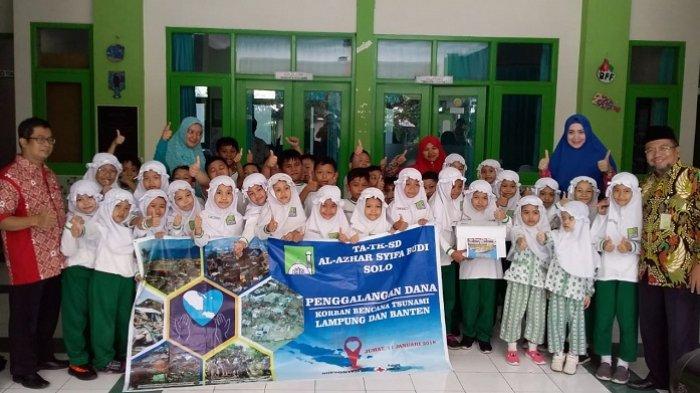 Al Azhar Syifa Budi Solo Sumbang Bantuan Rp 37 Juta untuk Korban Tsunami Selat Sunda
