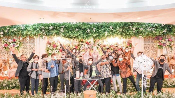 Viral Pemuda Bawa Perabotan Rumah ke Acara Pernikahan, Ternyata Begini Kisah di Baliknya