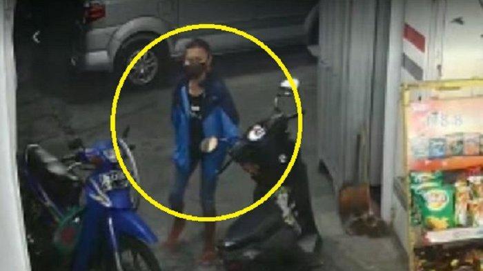 Apesnya Ibu Muda di Solo, Lupa Taruh HP di Dashboard Motor, Ternyata Dicuri Maling yang Terekam CCTV