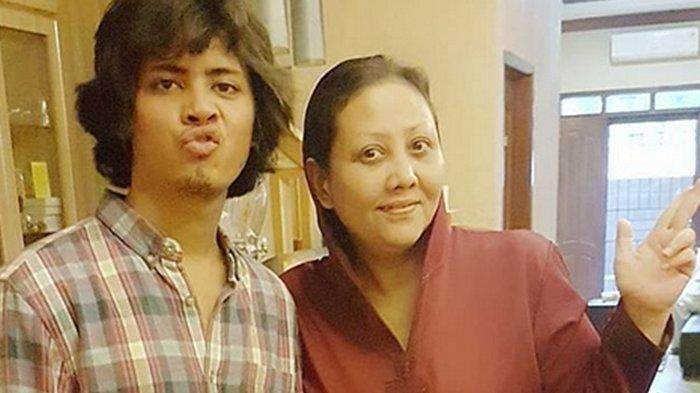 Aliando Jarang Aktif di Media Sosial, Potret Terbarunya di Hari Lebaran Dibagikan Sang Ibu