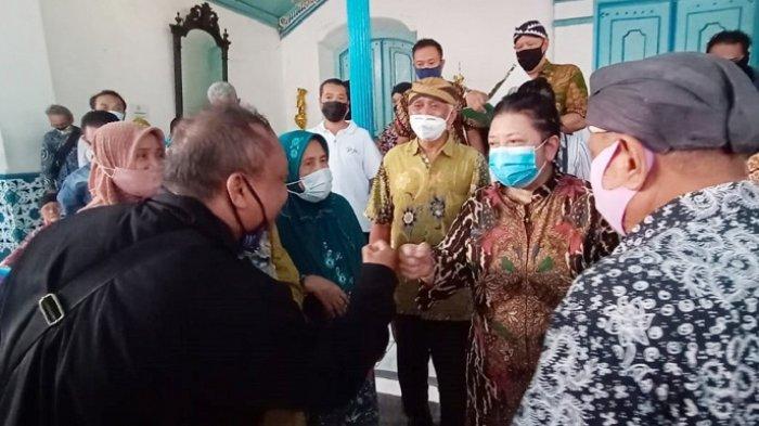 Lawan Kubu Raja Hangabehi, Ketua LDA Gusti Moeng Serukan Akhiri Konflik : Selamatkan Keraton Solo!