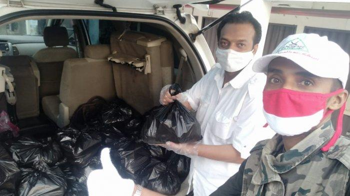 Ringankan Beban Keluarga Pasien Positif Corona Boyolali, Alumni SMP Diponegoro Solo Salurkan Bantuan