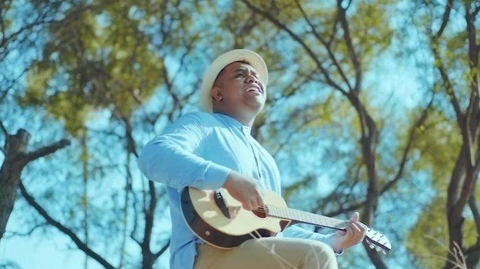 Lirik Lagu Andmesh - Nyaman, Dengarkan Musik dan Tonton Videonya di Sini