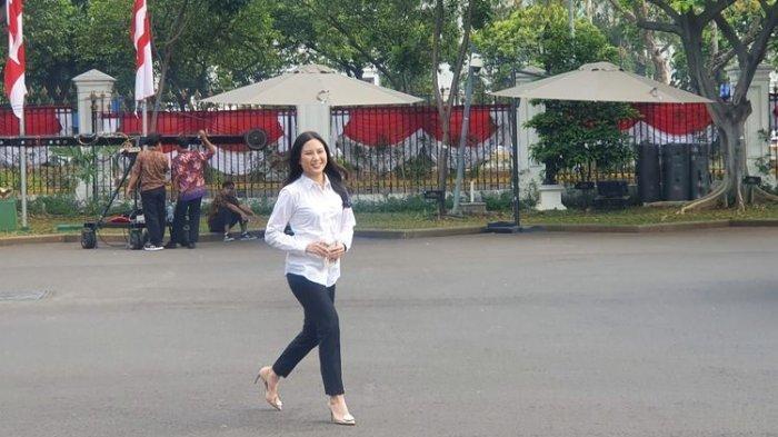 Senyum Manis Anak Hary Tanoe,Angela Tanoesoedibjo, saat Merapat ke Istana Kepresidenan