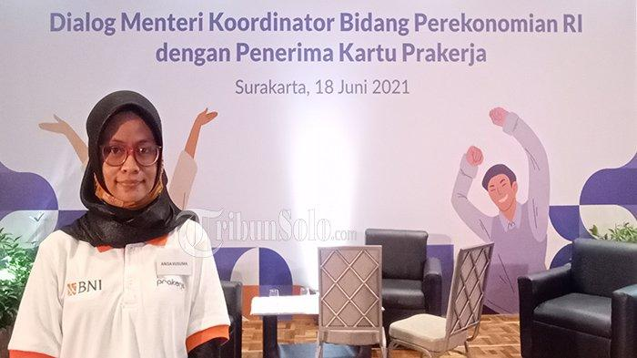 Kisah Anisa Penjual Tunarungu Asal Magelang : Ikut Pra Kerja Jokowi Tapi Download Aplikasi Khusus