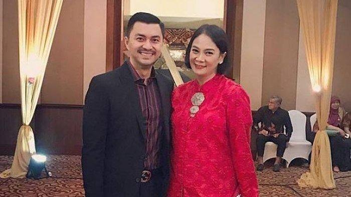 Anjasmara dan istrinya, Dian Nitami