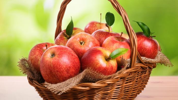 Ragam Makanan yang Bisa Menghilangkan Rasa Mual, Makanan Dingin hingga Apel