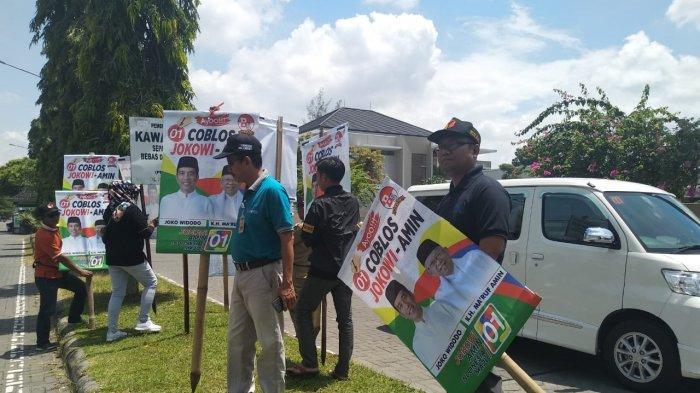 Jelang Kedatangan Jokowi, Bawaslu Sukoharjo Sterilkan APK yang Melanggar White Area di Solo Baru