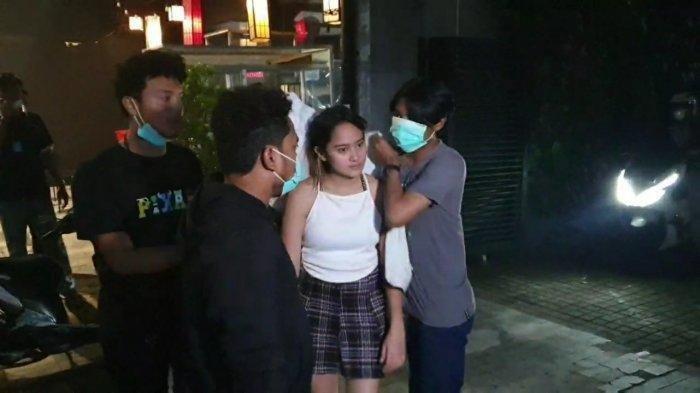 Artis Salshabilla Adriani terlibat kecelakaan di Kemang, Jakarta Selatan, Selasa (15/12/2020) malam.