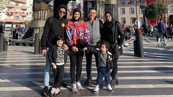 Istri Sakit Autoimun, Anang Hermansyah Bawa Ashanty Berobat ke Turki, Arsy Antusias Naik Pesawat