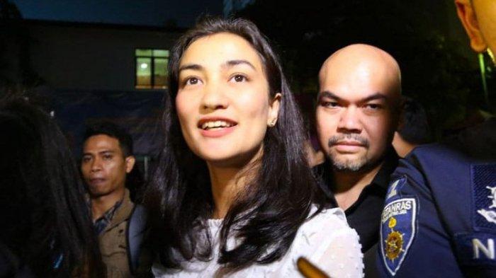 Beri Dukungan untuk Ratna Sarumpaet, Atiqah Hasiholan Siap Jadi Penjamin