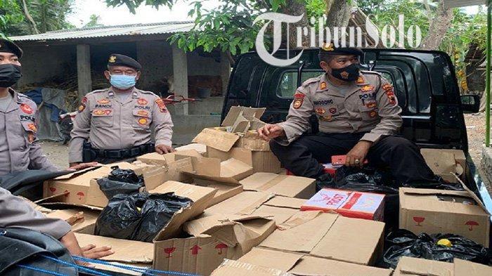 Nekat Jadi Bos Miras di Tengah Kampung, Pria Jogonalan Klaten Diamankan, Polisi Sita 700 Lebih Botol