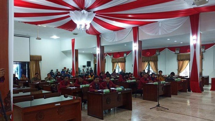 Ikatan Mahasiswa Muhammadiyah Geruduk DPRD Karanganyar, Tolak RUUKUHP & Revisi UU KPK