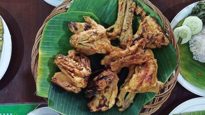 Kuliner Ayam Lodho Khas Tulungagung di Sukoharjo : Dicelupkan ke Santan, Bikin Rasa Jadi Istimewa