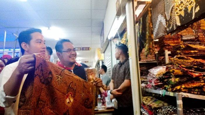 Gibran Akan Borong Kain Batik Bergambar Jokowi saat Blusukan di BTC Solo, Tapi Ini yang Didapatkan