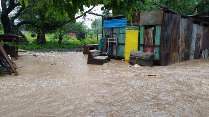 3 RT di Naikoten I, Kota Kupang Teredam Banjir, Tinggi Air Capai Pinggang Orang Dewasa di RT 25