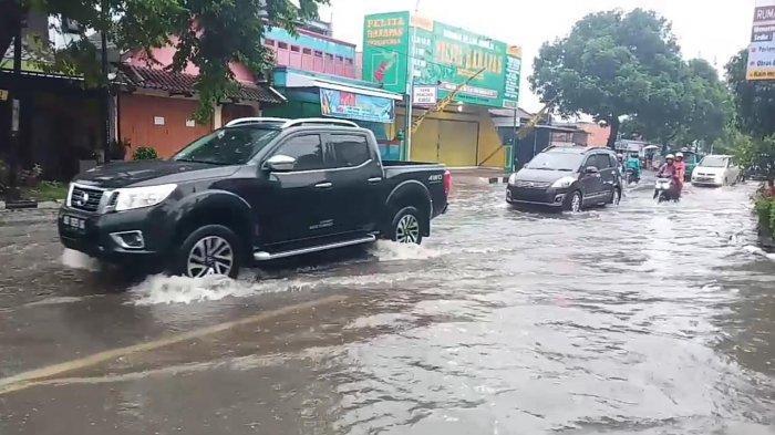 Waspada, Inilah 3 Bagian yang Mobil yang Rawan Rusak saat Musim Hujan, Cek Bagian Kaki-kakinya