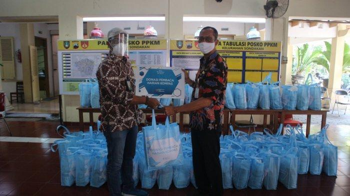 Bantu Warga Terdampak Pandemi Covid-19, 300 Paket Sembako Disalurkan Yayasan Dana Kemanusiaan Kompas