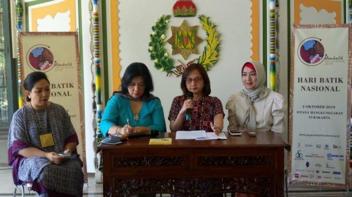 Presiden Jokowi Akan Membatik saat Hadiri Hari Batik Nasional di Pura Mangkunegaran Solo, Mau Lihat?