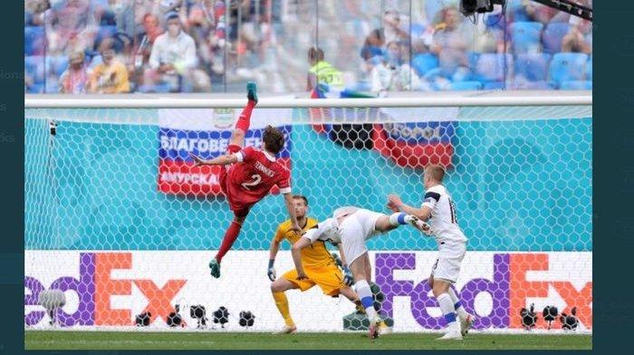 Eriksen Bukan Korban Terakhir di Euro 2020, Kini Pemain Rusia yang Terkapar hingga Dilarikan ke RS