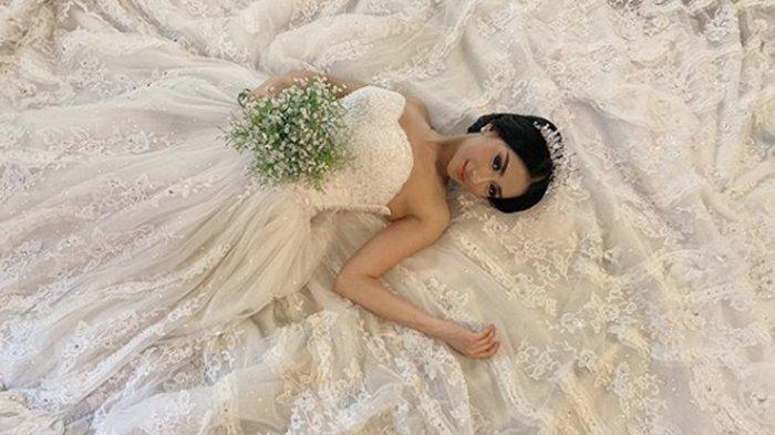 Bagikan Foto Prewed, Artis Cantik Ini Akan Dinikahi Pengusaha Kaya Asal Bandung, Mahar Rumah Rp 2 M!