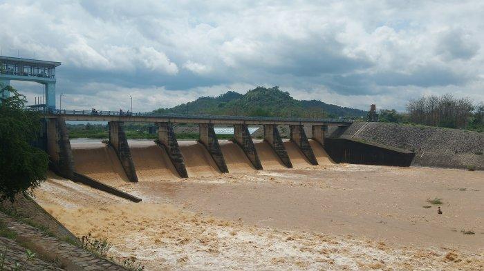 Debit Air di Bendung Colo Mulai Naik, BPBD Sukoharjo: Masih dalam Ketinggian yang Aman