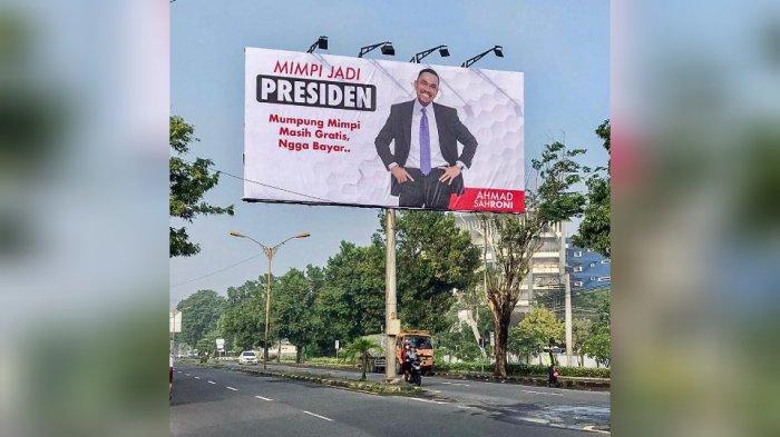 Billboard Ahmad Sahroni Mimpi Jadi Presiden Bikin Warga Solo Penasaran, Ternyata Ini Maksudnya