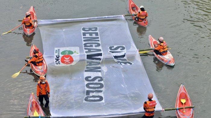 Blusukan ke Sungai Bengawan Solo, DPW PKS Jateng Temukan Sungai Sudah Tercemar : Ayo Kita Peduli